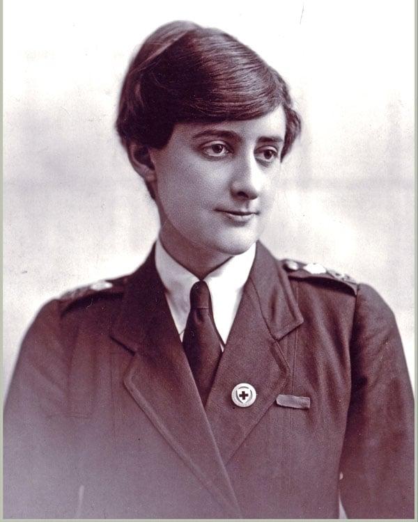 Vera Deakin in Australian Red Cross uniform, London 1918. Courtesy White family collection.