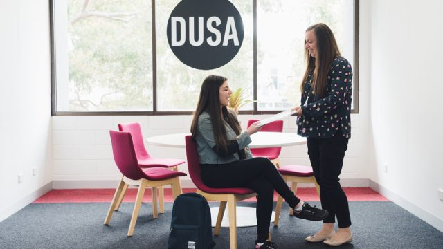 A student speaks to a DUSA Advocate