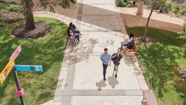 Students walking down Morgan's Walk at Burwood