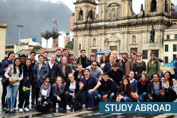 Image of Study abroad students at the historic centre of Bogota